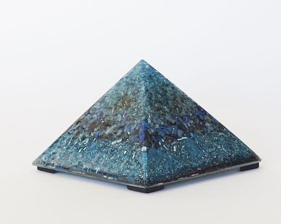 Orgonite pirámide
